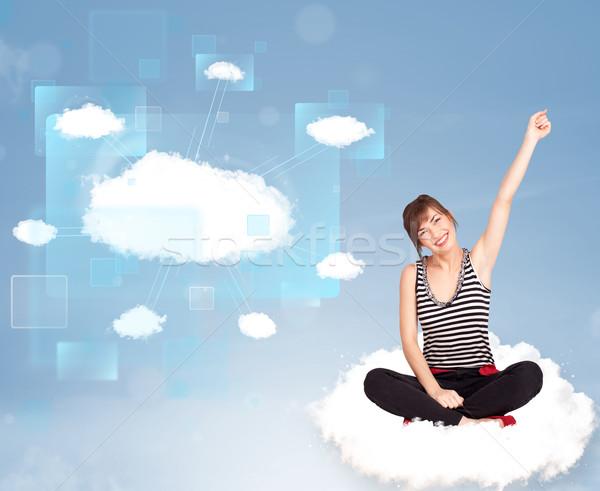 Fille heureuse regarder modernes réseau cloud heureux jeune fille Photo stock © ra2studio