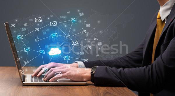 Mão monte laptop empresário Foto stock © ra2studio