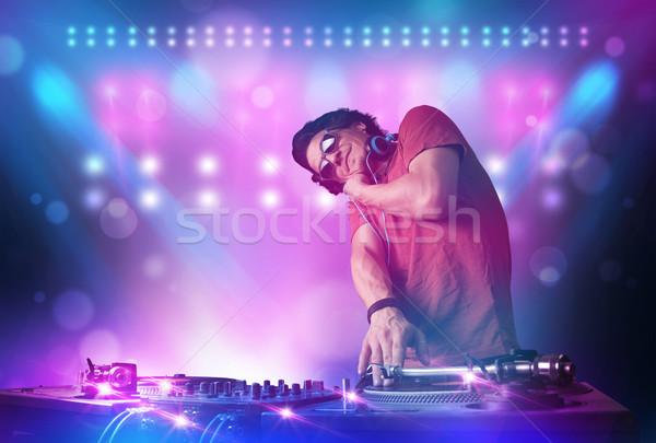 Dídzsé zene lemezjátszók színpad fények fiatal Stock fotó © ra2studio