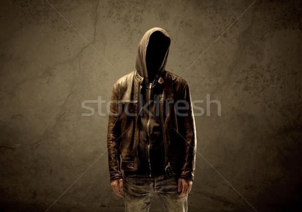 Foto stock: Escuro · suspeito · maduro · masculino · urbano