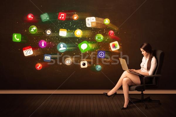 ビジネス女性 座って 事務椅子 ノートパソコン カラフル アプリ ストックフォト © ra2studio