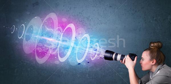 Fotógrafo nina fotos potente luz Foto stock © ra2studio