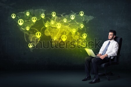 Affaires bureau portable réseau social carte du monde main Photo stock © ra2studio