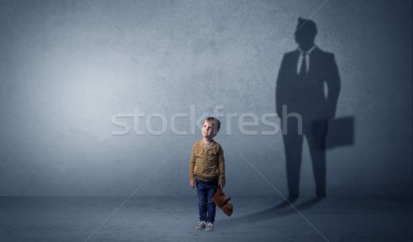 Weinig jongen zakenman schaduw toekomst groot Stockfoto © ra2studio