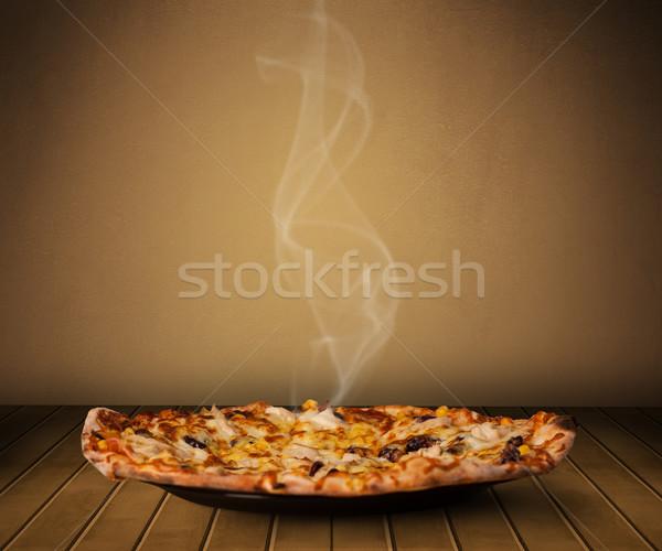 新鮮な ホーム 調理済みの ピザ 蒸気 ストックフォト © ra2studio