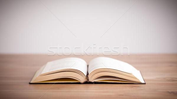 Nyitott könyv fa üres hely háttér Biblia tudomány Stock fotó © ra2studio