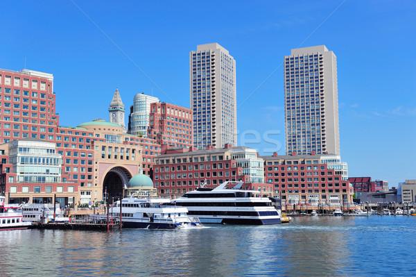 Boston bord de l'eau gratte-ciel bateau matin ciel Photo stock © rabbit75_sto