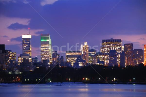 New York sziluett alkonyat Central Park épület alma Stock fotó © rabbit75_sto