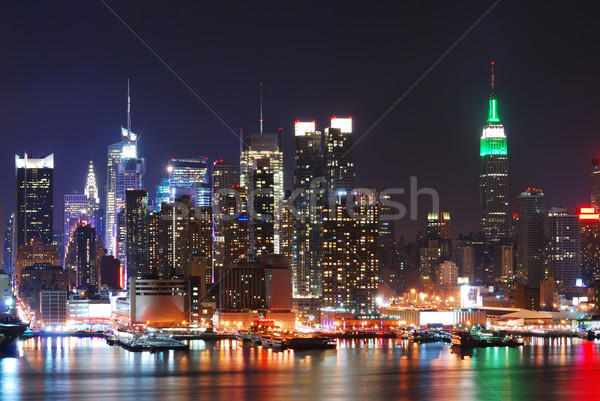Empire State Building New York City Manhattan Skyline nuit panorama Photo stock © rabbit75_sto