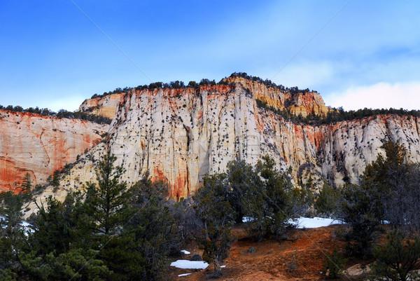 Parque ponto de referência manhã vermelho rochas estrada Foto stock © rabbit75_sto