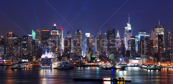 New York Manhattan sziluett panoráma éjszaka folyó Stock fotó © rabbit75_sto