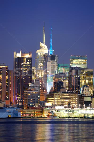 Stedelijke moderne architectuur New York City Manhattan schemering rivier Stockfoto © rabbit75_sto