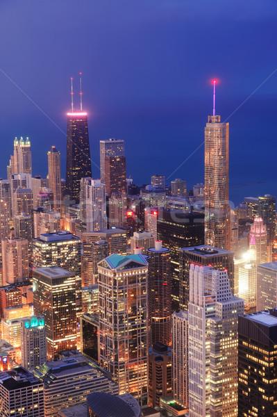 Stok fotoğraf: Chicago · akşam · karanlığı · şehir · merkezinde · gökdelenler