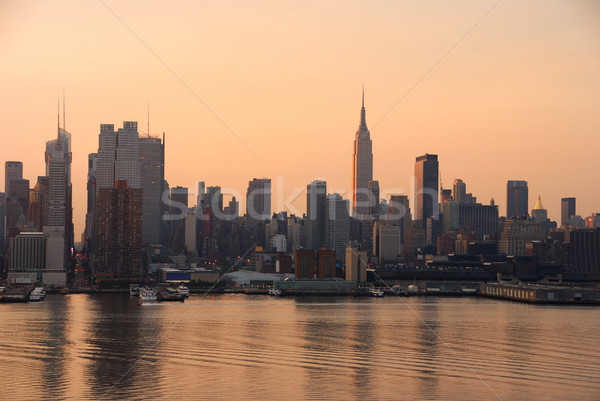 Manhattan horizonte Nueva York Empire State Building rascacielos río Foto stock © rabbit75_sto