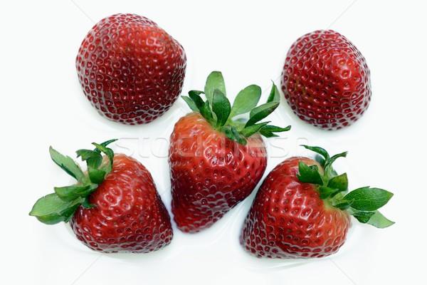 Fraises isolé lait feuille fruits déjeuner Photo stock © rabel