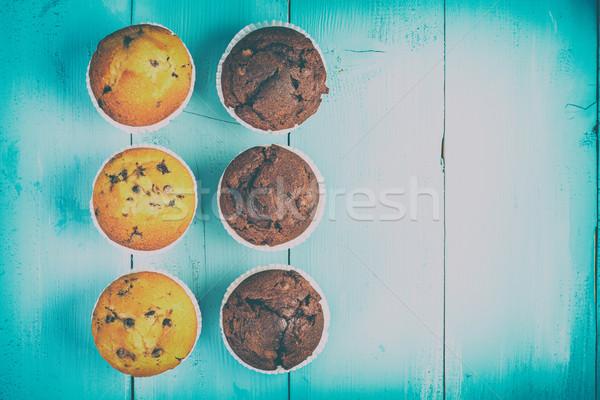 Maison chocolat puce muffins bleu table Photo stock © radub85