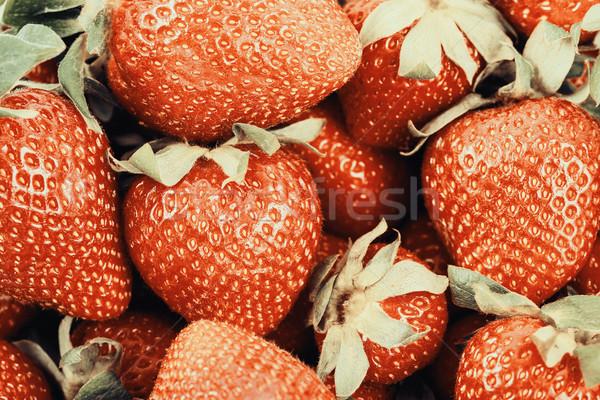 Fraîches rouge fraises vente fruits marché Photo stock © radub85