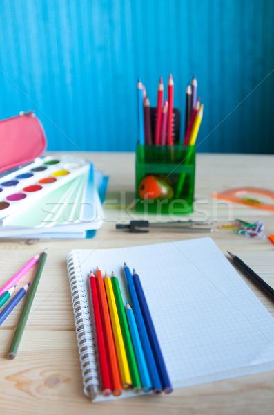 Beaucoup fournitures scolaires table affaires Photo stock © raduga21