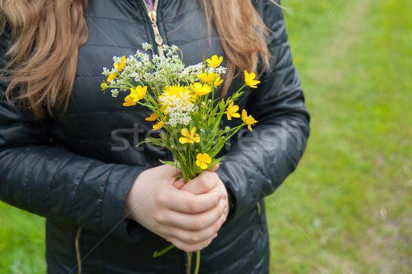 Virágcsokor vadvirágok kezek kéz fű természet Stock fotó © raduga21