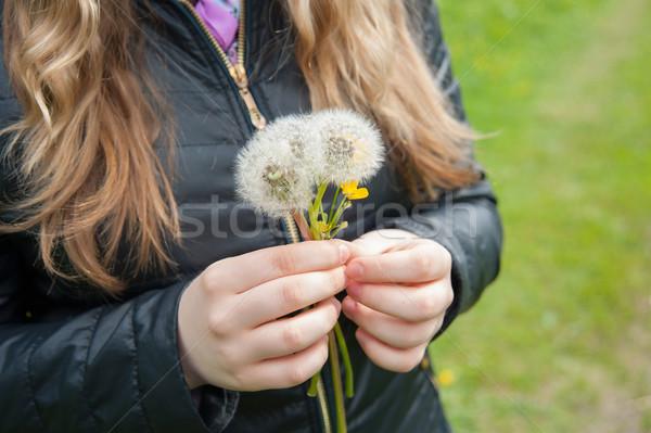 Dziewczyna biały czarny kurtka Zdjęcia stock © raduga21