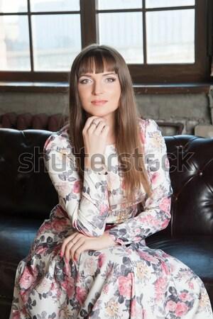 Kobieta młoda kobieta długie włosy krzesło włosy Zdjęcia stock © raduga21