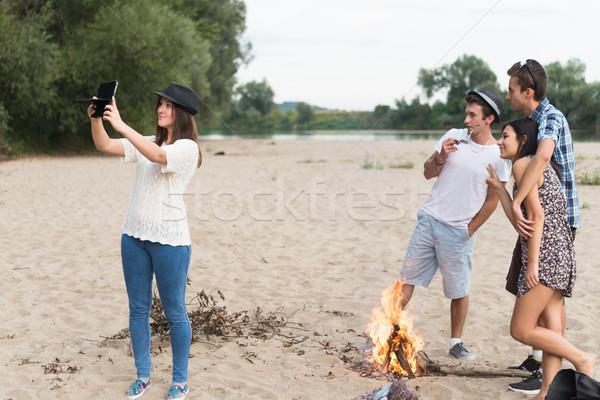 Photos plage de sable groupe adolescent Photo stock © rafalstachura