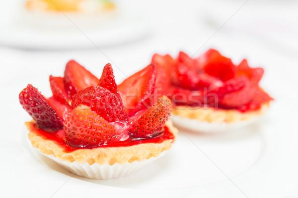 Fraîches tarte tarte blanche plaque Photo stock © rafalstachura