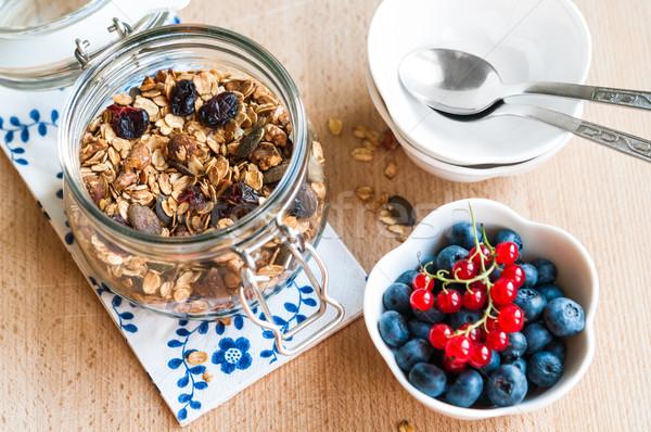 Saudável café da manhã granola fresco frutas mirtilos Foto stock © rafalstachura