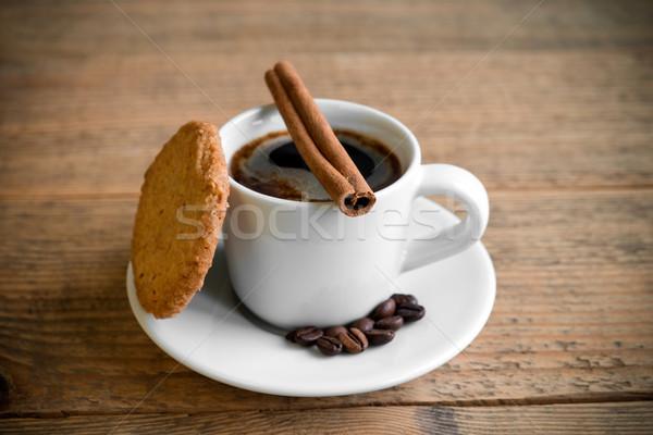 Café preto branco copo biscoito canela em pau bolinhos Foto stock © rafalstachura