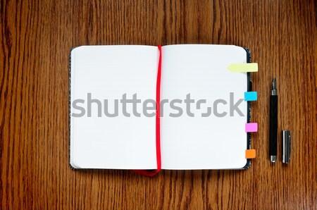 Notepad ouvrir table en bois espace de copie travaux stylo Photo stock © rafalstachura