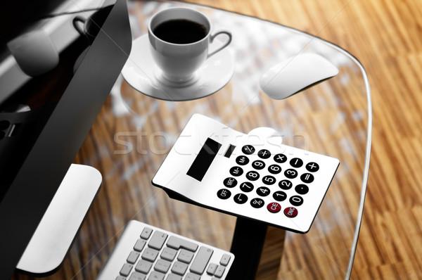 Stock fotó: Irodai · asztal · számítógép · számológép · csésze · kávé · üveg