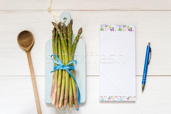 Haut vue fraîches asperges table en bois recette Photo stock © rafalstachura