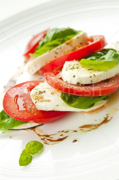 Сток-фото: салат · Капрезе · моцарелла · томатный · базилик · бальзамического · уксуса · белый
