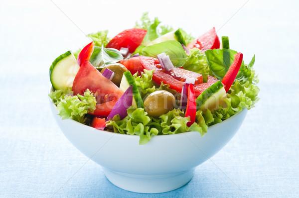 Friss saláta saláta paradicsom uborka olajbogyók Stock fotó © rafalstachura