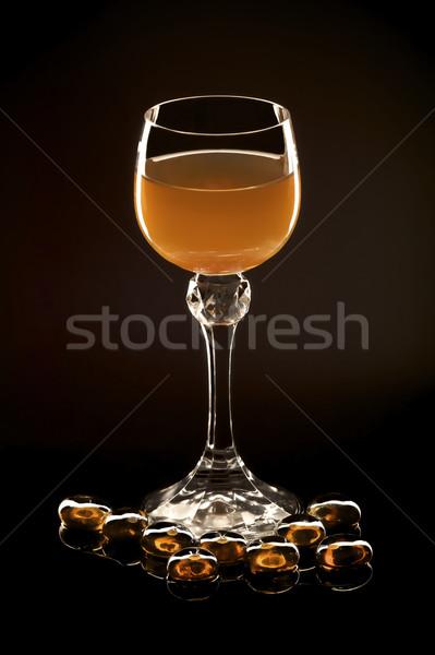 Nektar czarny szkła bursztyn odizolowany pić Zdjęcia stock © ralanscott