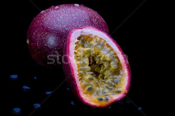 Passion fruits ensemble noir Photo stock © raptorcaptor