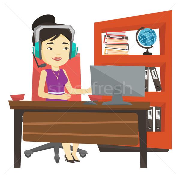деловой женщины гарнитура рабочих служба молодые азиатских Сток-фото © RAStudio