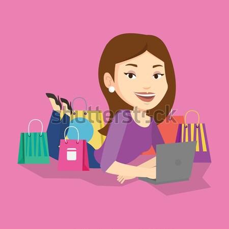 ストックフォト: 女性 · ショッピング · を · 小さな · アジア · ラップトップを使用して