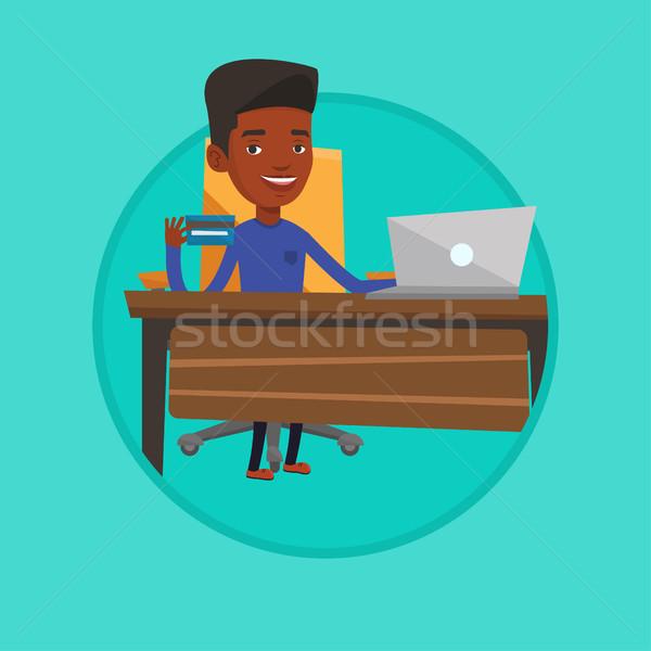 ストックフォト: 男 · ショッピング · を · 小さな · アフリカ · 座って