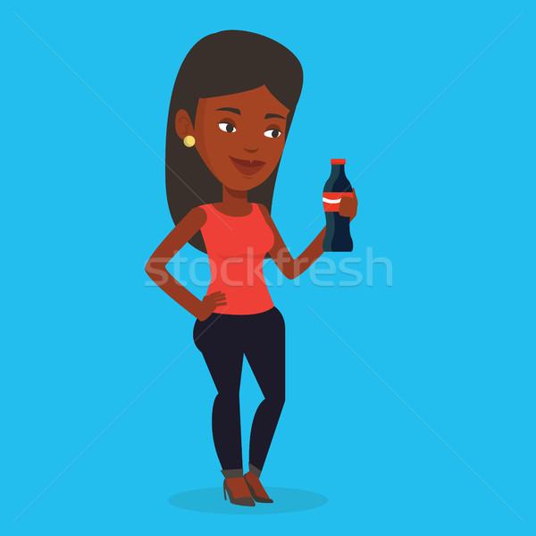 Jonge vrouw drinken soda vrouw vers Stockfoto © RAStudio