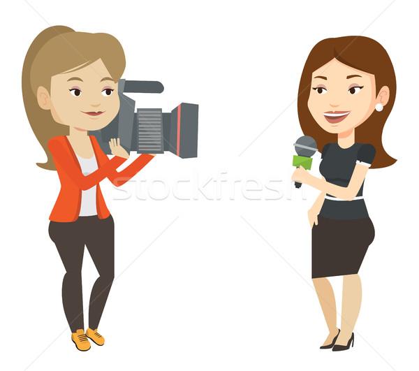 Telewizja reporter operatora kobiet mikrofon Zdjęcia stock © RAStudio