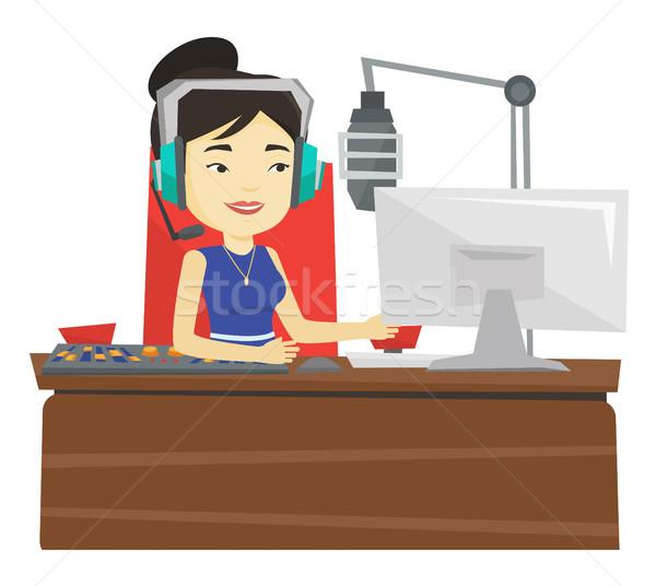 Kadın çalışma radyo Asya kulaklık istasyon Stok fotoğraf © RAStudio