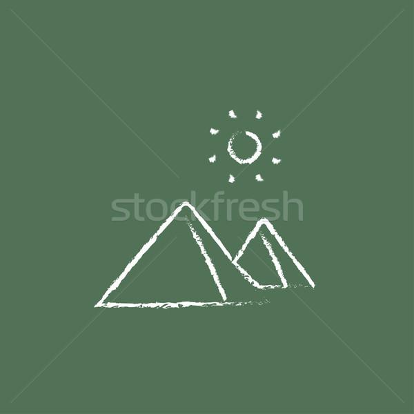 Сток-фото: египетский · пирамидами · икона · мелом · рисованной