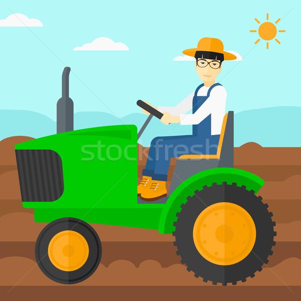 Landbouwer rijden trekker asian man agrarisch Stockfoto © RAStudio