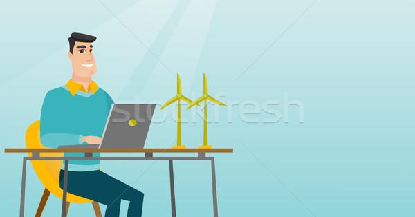 ストックフォト: 男 · 作業 · モデル · 風力タービン · 幸せ · 白人