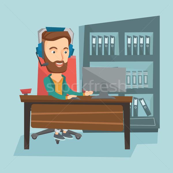 человека играет компьютерная игра молодые счастливым кавказский Сток-фото © RAStudio
