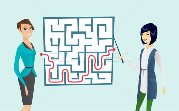 Business vrouwen naar labyrint oplossing twee Stockfoto © RAStudio