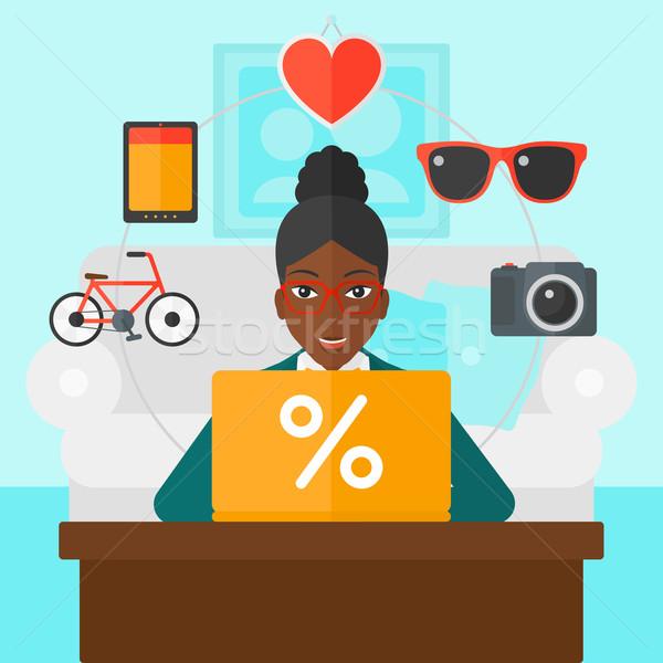 Stock fotó: Nő · vásárlás · online · laptopot · használ · ül · laptop