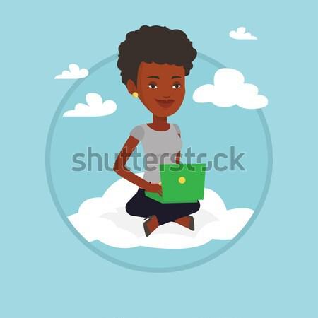 Сток-фото: женщину · технологий · сидят · облаке · ноутбука