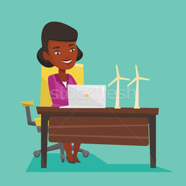 Photo stock: Femme · travail · modèle · travailleur · parc · éolien